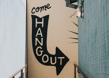 come hang out - b2b marketing tactics