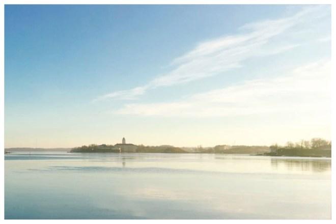 スオメンリンナ島を眺める