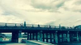 京都の鴨川にかかる橋