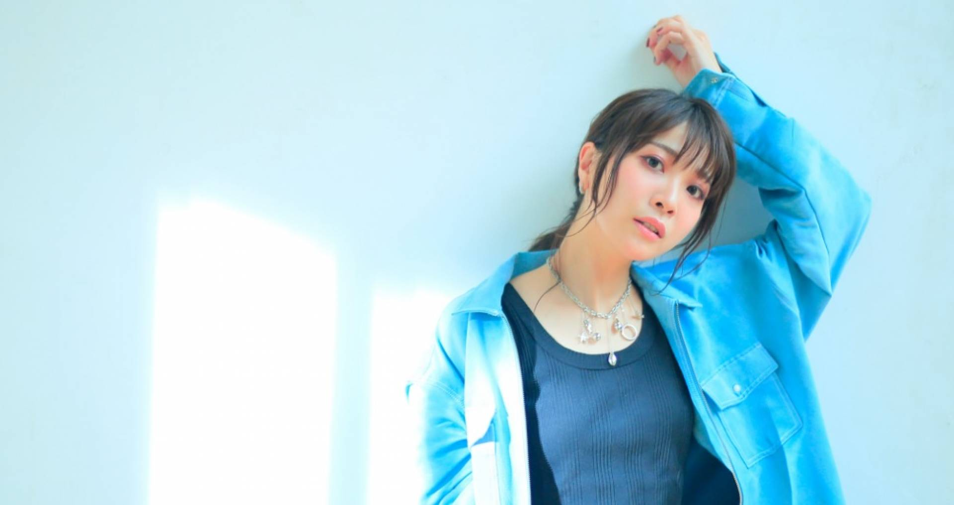 """Anison singer May'n will release her twentieth single, featuring her ending theme songs for """"PRIDE OF ORANGE"""" and """"Shikizakura"""", on November 24th."""