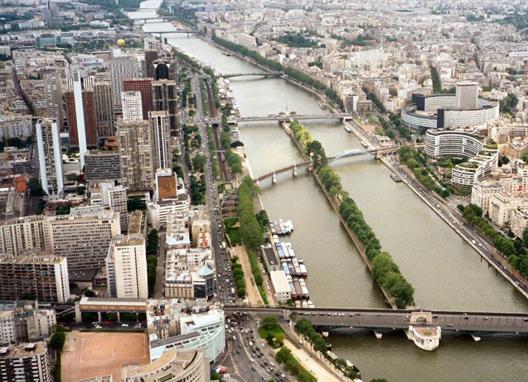 lågbroar i Paris
