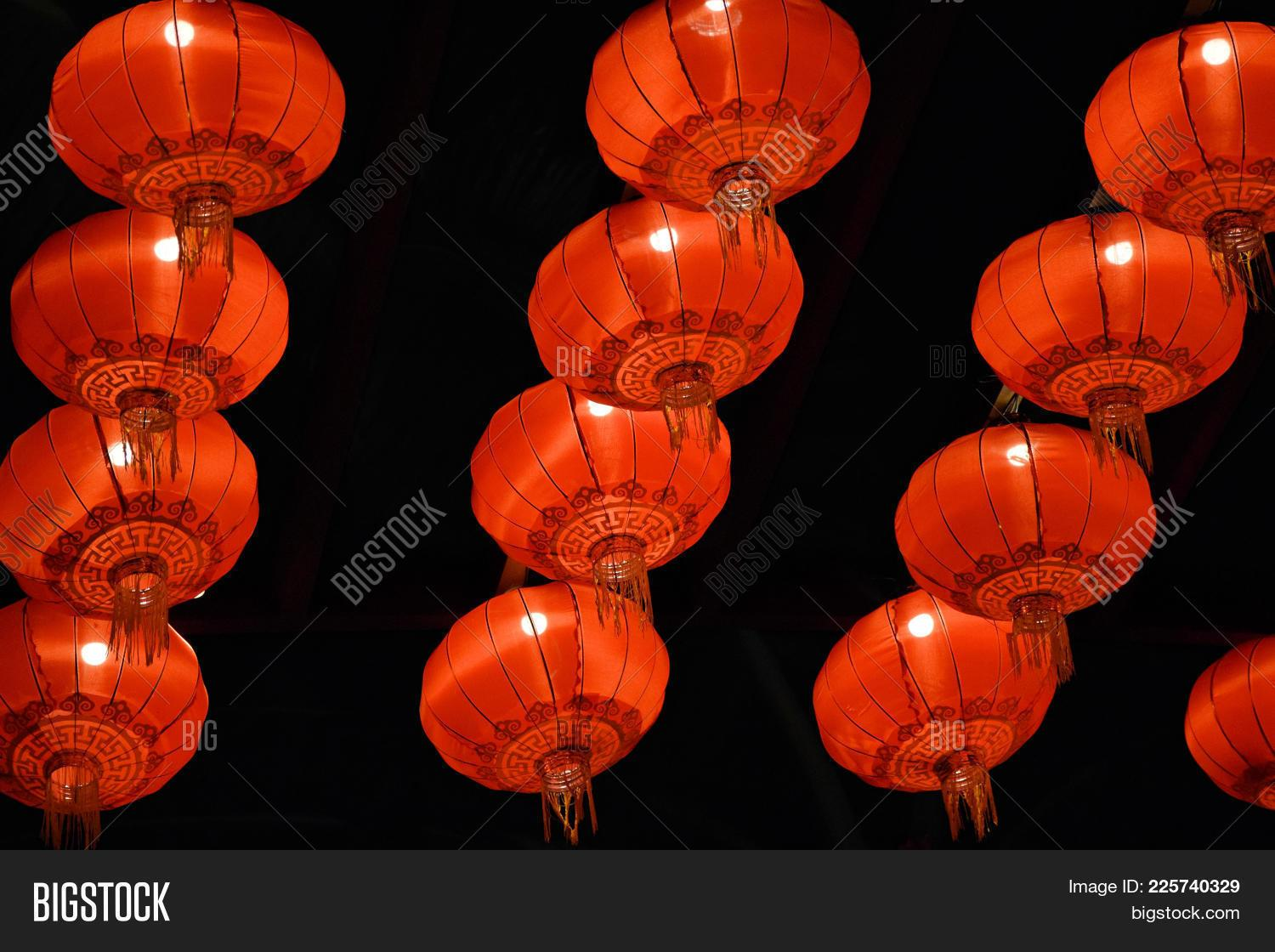 Chinese Lantern Powerpoint Template