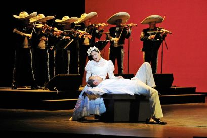 Cecilia Duarte and Octavio Moreno in Cruzar la Cara de la Luna, Houston Grand Opera This image used in accordance with Fair Use Policy