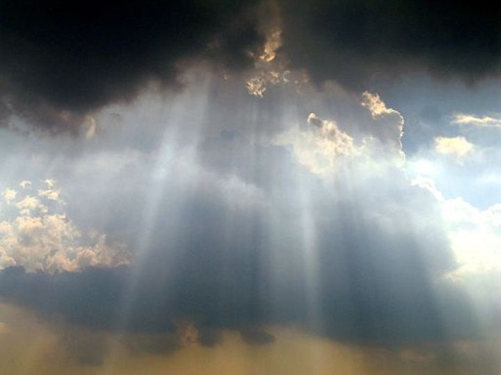 512px-Sky_over_Washington_Monument