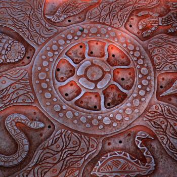 Manhole cover in Perth, Australia © Ole Reidar Johansen with CCLicense