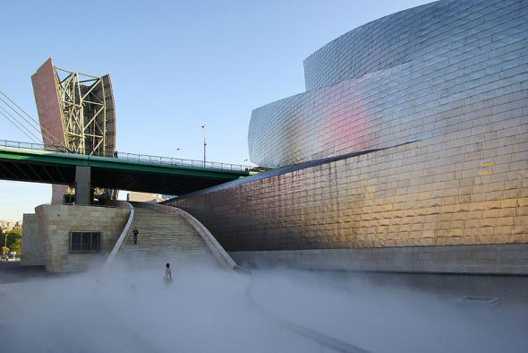 F.O.G. at the Guggenheim Museum, Bilbao, Spain image © Phillip Maiwald with CCLicense