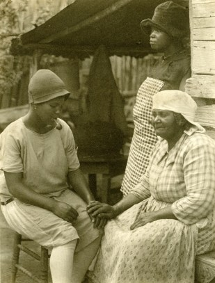 Gullah women from Roll, Jordan, Roll.