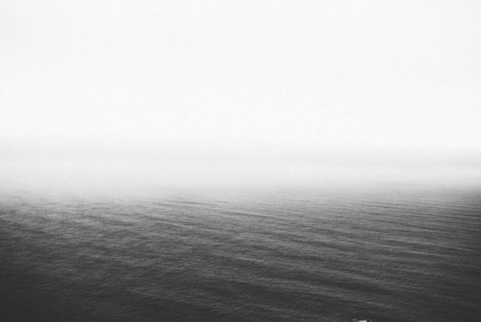 black-and-white-fog-lake-31642-825x550