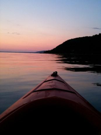 Red Kayak, Red Sunset © Ken Bosma with CCLicense