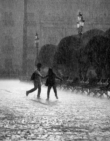 512px-falling_rain_in_mexico