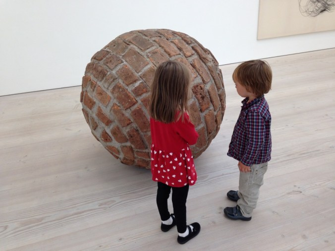 art_modern_art_curious_education_learning_puzzled_why_ball-1280812