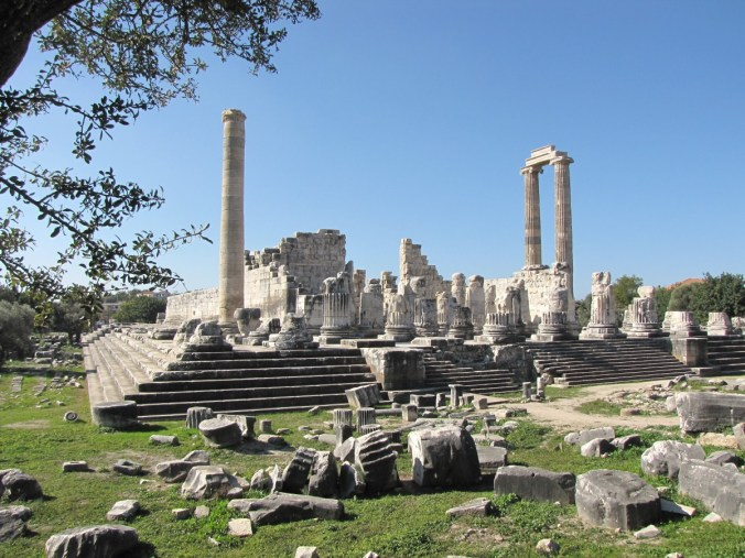 didyma_temple_turkey_apollo-538114