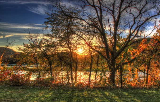 wisconsin-perrot-state-park-sunset-through-the-trees[1].jpg