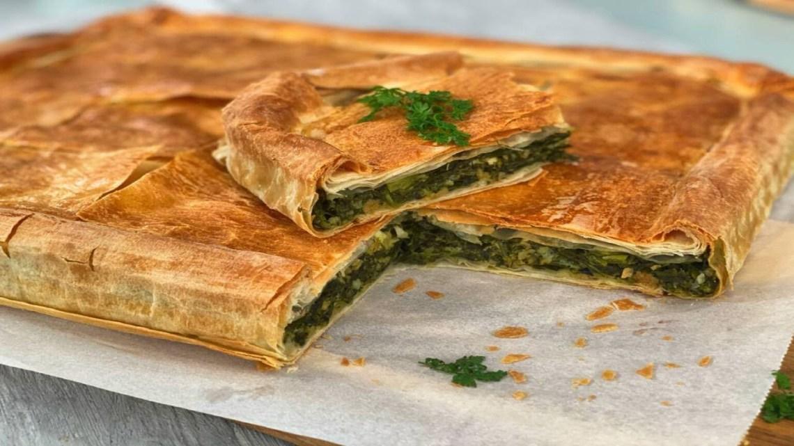Πίτα με αρωματικά χόρτα, φέτα και χωριάτικο φύλλο Λάμπρος Βακιάρος