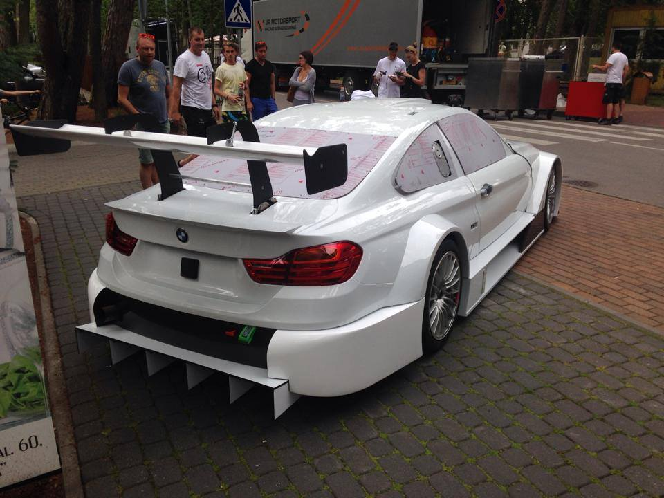 Syntix JR Motorsport BMW M4 Silhouette bodywork back - Syntix Innovative Lubricants