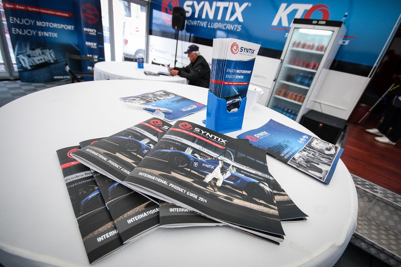 Syntix Superprix in Zolder - Supercar Challenge powered by Pirelli - Info center brochures - Syntix Innovative Lubricants