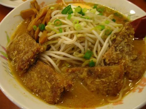 豚太郎南国バイパス店 味噌カツラーメン(大盛り)