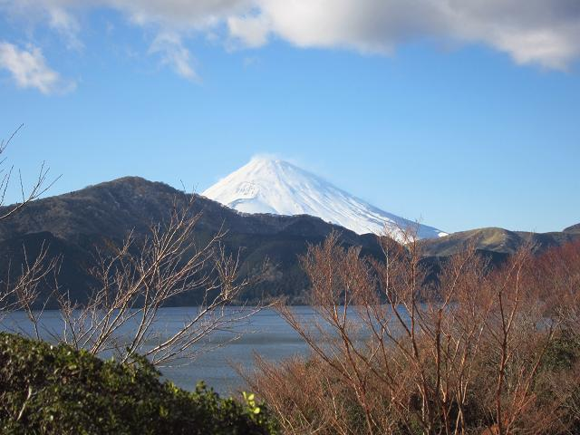 箱根 芦ノ湖の向こうに見える富士山3