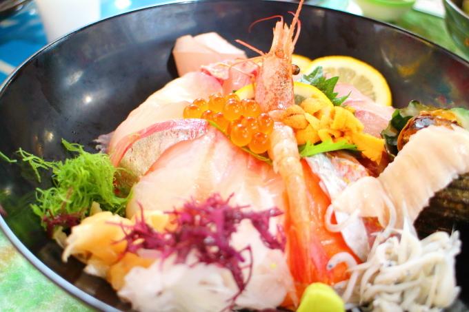 どーや食堂・特選海鮮どーや丼9