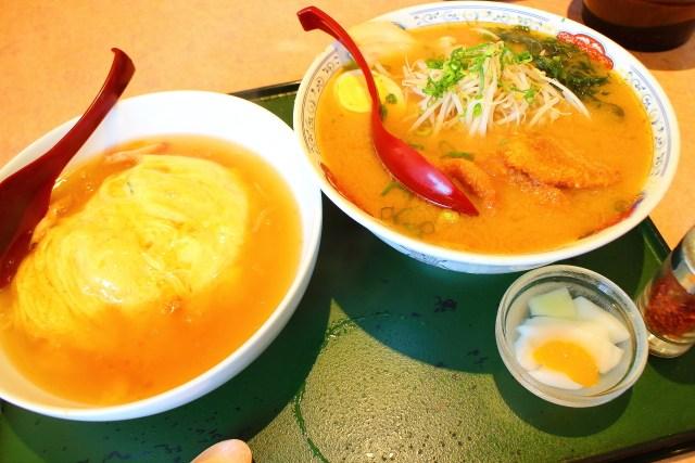 「まんぷく処 暖家」味噌カツラーメン 天津飯セット