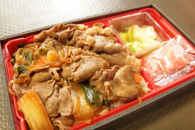 すき家「和牛すき焼き丼」持ち帰り弁当