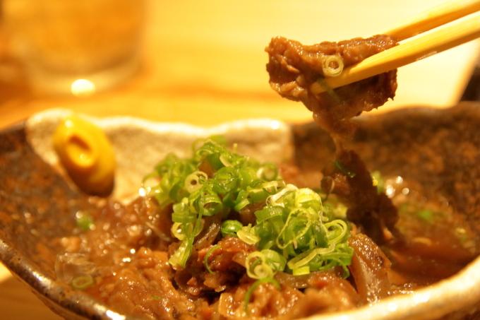 鯛小判の牛すじ煮込みの肉