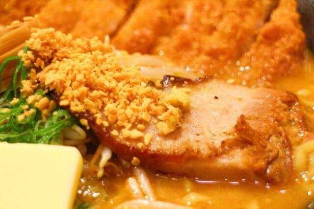麺屋國丸 北海道百年味噌カツバターラーメン