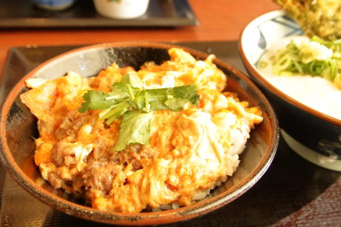 丸亀製麺 とろ玉うどん・牛とじ丼