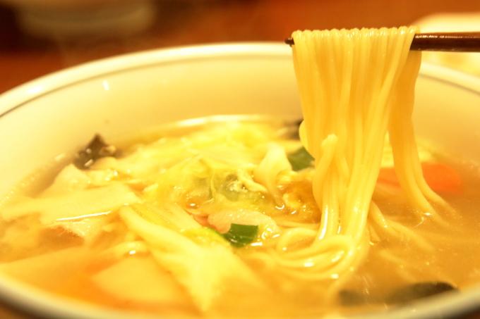 中華料理 鳳龍菜館「五目ラーメン」