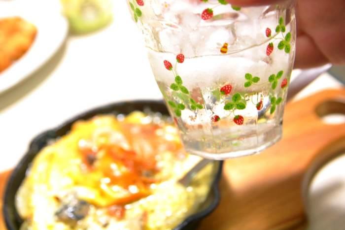 サヴァ缶レモンバジルのチーズ焼きはお酒に合う