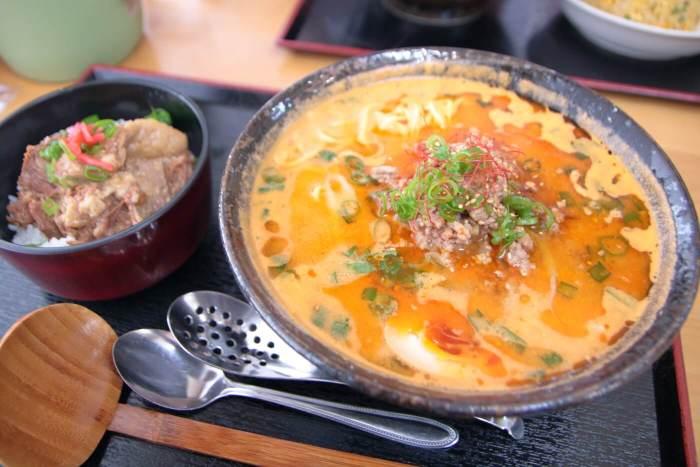 ラーメン・牛すじ処どば 担々麺の牛すじ丼セット