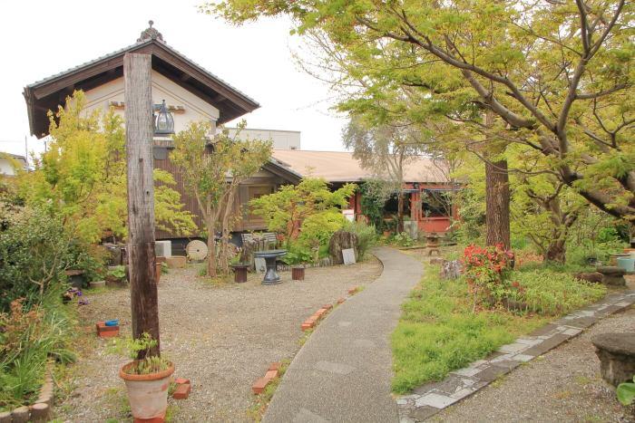 香美市土佐山田町のイタリア料理屋さんクアットロスタジオーニの外観