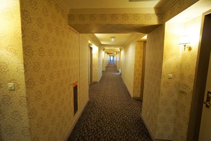 部屋前通路