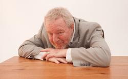 全身倦怠感の原因は?糖尿病や肝臓疾患・がんなど病気?