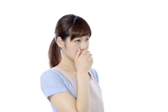 歯周病の口臭はどんな臭い?薬など対策や改善法!