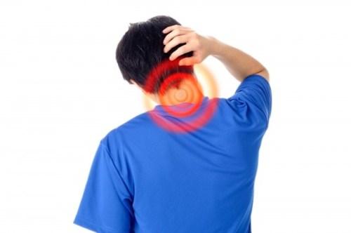 ストレートネックの原因や症状・治療法!有効なストレッチは?