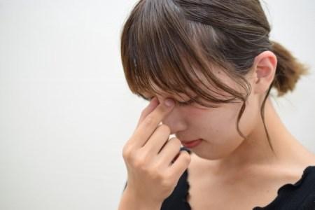 眼瞼下垂の症状と原因や治療の保険適用【改善には手術?】