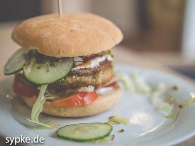 Veganer Burger im Cafe Vigan