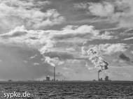 Jade Weser Port von Strand Tossens aus