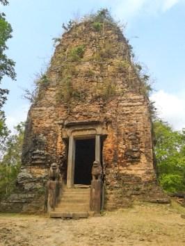 Lion temple (ប្រាសាទតោ)