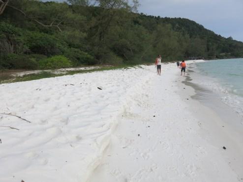 White sandy beach - Long Beach