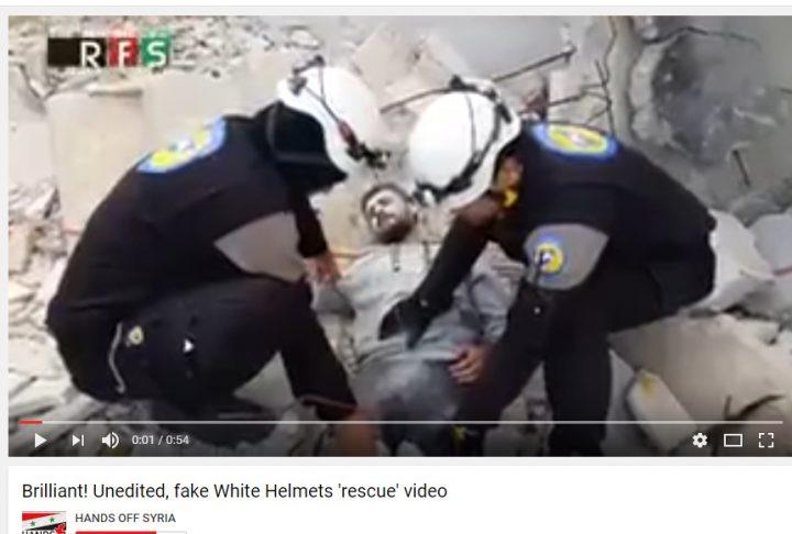 white helmets manniquin freeze