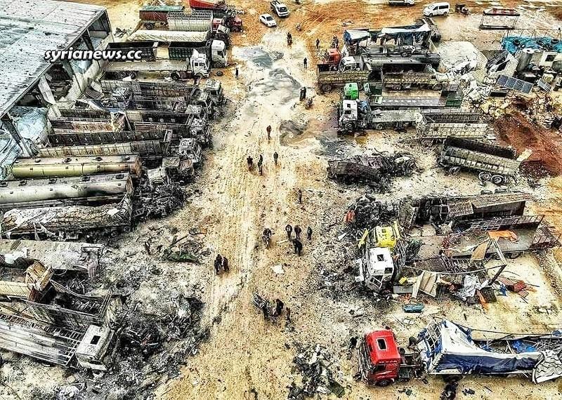 Russian fighter jet bombs al Qaeda market for stolen Syrian oil