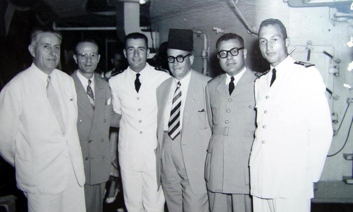 اللاذقية 1958- مدير الصحة وأمر القوى البحرية على متن قطعة بحرية