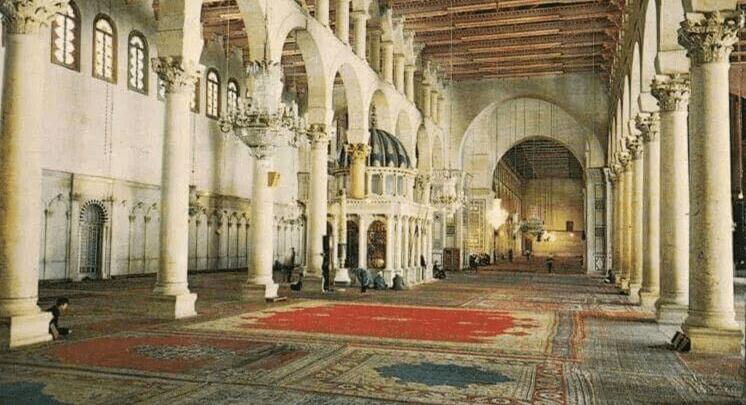 سرقة السجاد العجمي من المسجد الأموي وساعة المرجة