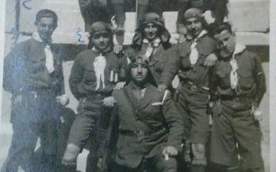 دمشقيون مع كشاف دمشق في رحلة إلى بعلبك عام 1923