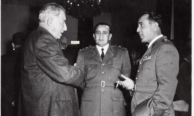 شوكت شقير وتوفيق نظام الدين مع فخري البارودي عام 1954م