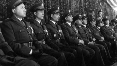 ضباط من الجيش في احتفال عيد الجلاء 1954 (7)