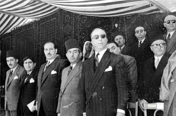 فيضي الأتاسي ووزراء في حكومة العسلي الأولى - احتفال عيد الجلاء 1954 (9)