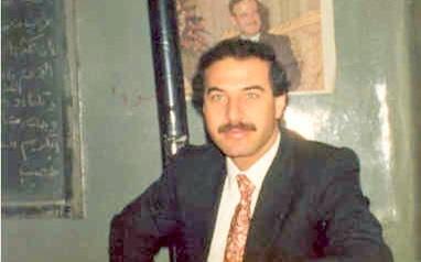 الأستاذ يوسف محمد رشيد في مدرسة المأمون بحلب 1983
